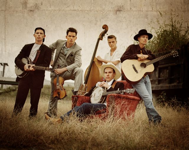 Old Crow Medicine Show, caught in the wild.