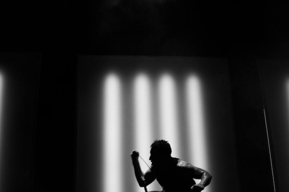 LIVE PHOTOS/REVIEW: Nine Inch Nails @ Jones Beach Theater, 8.1.14 ...